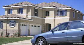 3 Reasons to Buy Your Car and Home Insurance from the Same Insurance Company